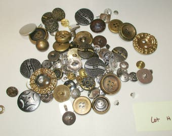 Lot H Vintage to Modern Buttons 100 Buttons Lots of larger buttons