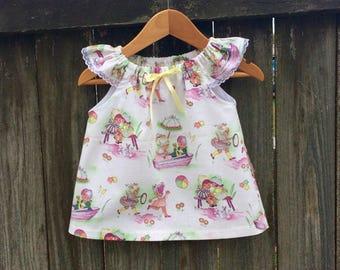 Pretty girls swing top, sweet vintage fabric, lace trim, handmade girls  top.size 2