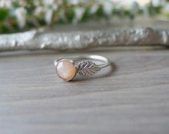 Leaf Ring, Sunstone Ring, Sterling Silver, Vine Ring, Stacking Ring, Simple Rings, Gemstone Ring, Organic Ring, Golden Sunstone, Forest Ring
