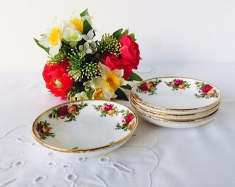 Set of 4 Butter Dishes, Royal Albert Old Country Roses, Staffordshire, c1993.