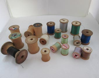19 Wood Thread Spools Sewing Supplies Hand Sewing Wood spools Hand Sewing supply Spool Lot of Spools of Thread Wooden Spools Sewing Display