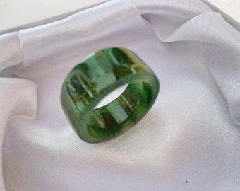 Size 8 Nephrite jade cylinder ring. S465