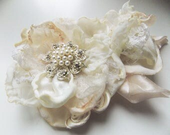 Fabric Flowers, Wedding Flowers, Fabric Jewelry, Chiffon Flower, Chiffon Flowers, Wedding Flower, Fabric Rose, Shabby Chic, Rose Flower Clip