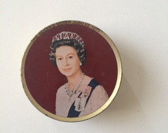 Vintage Tin, Smith Kendon Queen Elizabeth Travel Sweets Tin, Silver Jubilee 1977
