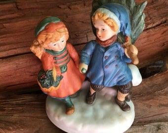 Avon, First Edition, 1981 Christmas, Memories, Sharing the Christmas Spirit, Porcelain Figurine
