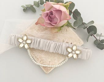 Gold beaded wedding garter with pearl chain, Luxury bridal garter