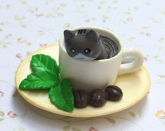 1pcs.42x52mm.Miniature 3D Cat in Coffee Cup Cabochon,Miniature Kitty,Dollhouse Cat,Cabochon Resin,Miniature Coffee Cup,Mobile case deco