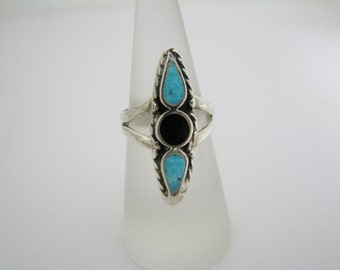 Marvelous Sterling Silver Ring with Turquoise & Black Onyx Inlay