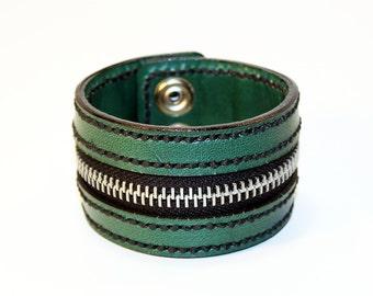 Green Zipper Bracelet. Handmade Bracelet. Green Cuff. Zipper Cuff. Green Zipper.Handmade Accessories.