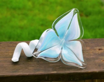 Beautiful Vintage Hand Blown Murano Art Glass Flower Shaped Bud Vase with a Wonderful Soft Pastel Blue and White Colors