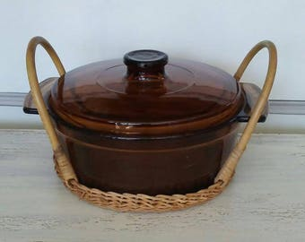 Brown Glass Casserole Dish Anchor Hocking, Round Casserole Dish, Covered Baking Dish Vintage Casserole Brown Glass Dish with Wicker Carrier