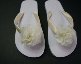 Wedding, Beach, Flip Flops, Sandals, White, Hand Decorated with Satin Ribbon and Vintage Flower, Comes with Organza Bag.