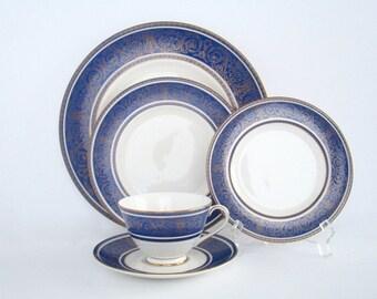 4 Place Setting, Royal Doulton England Royal Windsor Fine Bone China Dinnerware Set, Vintage Tableware