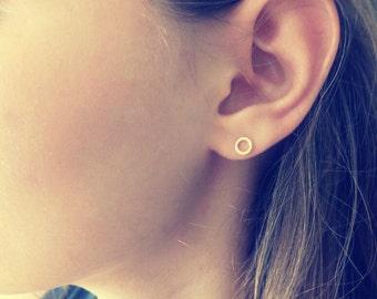 Open Circle Stud,  Gold Stud Earrings, Tiny earring, Simple Stud, Minimal Earring, Geometric Stud, Stud Earring,Round Stud,Geometric Jewelry