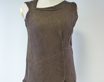 Feminine brown linen top, M size. Only one sample.