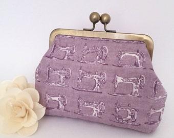 Kisslock Purse - Vintage Sewing Machine