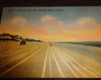 Vintage Daytona Beach,Florida Postcard/Classic Car/ Beachger