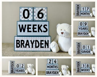 Baby Milestone Blocks, Baby Age Blocks Personalised with Name, Baby Shower Gift, Baby Nursery Decor, Gift for Baby Boy, Blue Grey