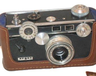 Vintage Argus 35MM Camera, Leather Case, Chrome Lens, Collectible Camera, Vintage Photography, Prop Camera, Shelf Decor, Vintage Argus