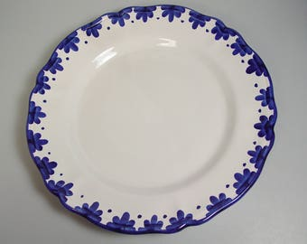 """Williams Sonoma plate charger 13"""" white blue flower border, scalloped rim, made in Italy Retired"""