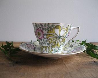 Vintage Rosina Fine Bone China Tea Cup & Saucer-Springtime Floral-Made In England...Reshopgoods