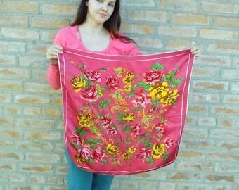 Sale!Free shipping! Vintage acetate silk red neckerchief. Ukrainian shawl. Russian shawl