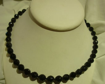 C6 Vintage Black Glass Beaded Necklace.