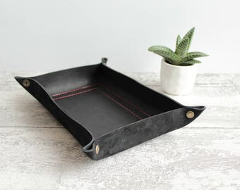 Leather Dice Tray in chrometan leather BLACK colour - Leather tray / dice mat / dungeons and dragons / gaming geek gift / catch all + snaps
