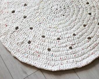 Crochet Round Rug . White with Spots | Crochet Rug | Modern Design | Round Carpet | Rug Runner | Handmade Rug | Round Rug
