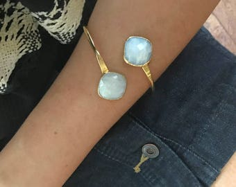 Moonstone Bracelet // Moonstone Gold Bracelet // Moonstone Cuff Bracelet // Moonstone Bangle Bracelet // Rainbow Moonstone Bracelet