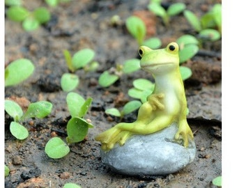 Fairy Garden  - Frog Sitting On Stone - Miniature