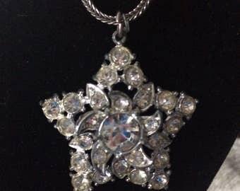 Stunning Rhinestone Star Vintage Necklace