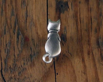 Back Cat Pin