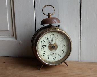 French antique single bell alarm pessort mechanical clock, industrial decor, Paris loft circa 1900.