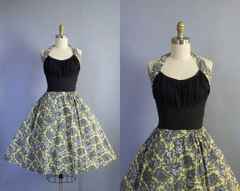 1950s Shelf Bust Halter Sundress/ Medium (34b/28w)