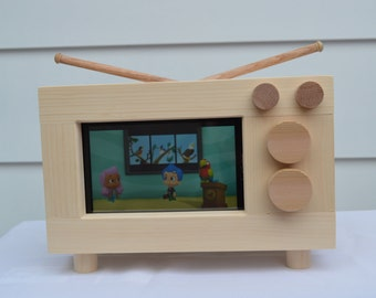 Old School TV Tablet Holder / iPad Holder / Tablet Stand / kids furniture / wood tablet holder / wood iPad stand / tablet case / ipad case
