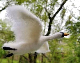 Swan Ornament, Needle felt swan, Needle felt ornament, White swan, bird ornament, Swan art, Swan gift, Needle felt animals,Needle felt bird