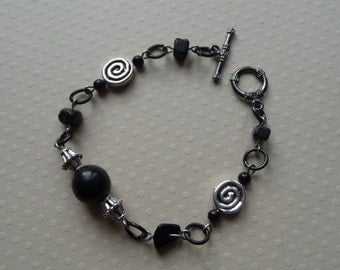 Bracelet with stones black and spiral silver