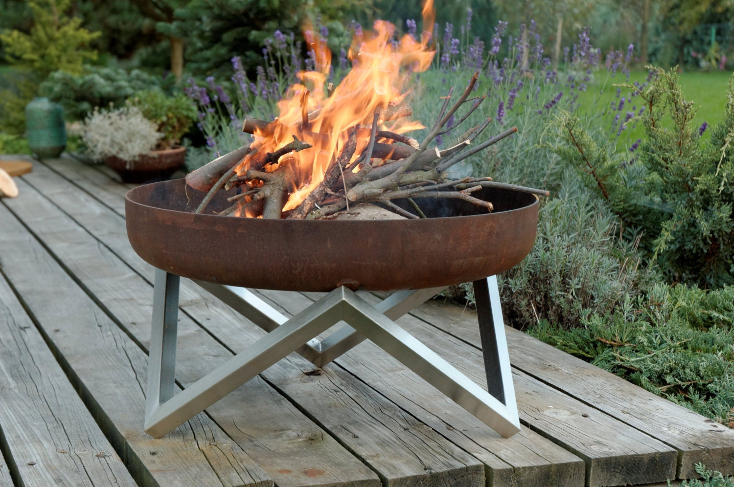 Steel Fire Pit YANARTAS Contemporary Design / Outdoor Heater