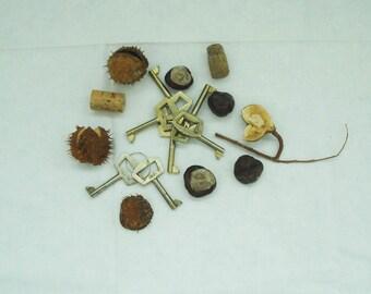 Vintage Set of 7 pcs Keys, Old Metal Keys, Seven Middle Metal Keys for Wardrobe, Retro Keys, Collectable, Rustic Decor, Unique
