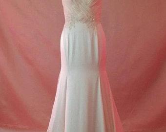 Wedding  dress  now  it  low   price