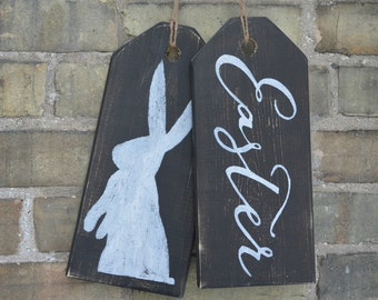 Easter front door decoration.  Rustic Easter sign.  Easter bunny sign.