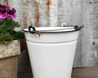 Vintage White Enamel Bucket/Decorative Kitchen Storage/ Vintage Enamelware/Vintage kitchenalia/Garden planter