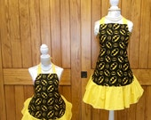 Batman Mommy and Me Apron set - Cosplay