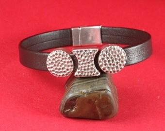 3/2 MADE IN EUROPE 3 metal sliders, hammered slider, flat cord slider, metal bead, flat bead, bracelet slider, (X6047as) Qty3