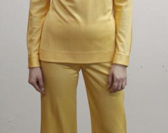 Vintage 70s Pale Pastel Yellow Long Sleeved Mock Neck Tunic and Flared Pants Set
