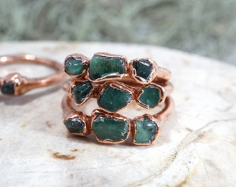 Raw Emerald Ring • Raw Stone Jewelry • Royal Stone • Birthstone Rings • Trinity Ring