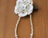 Bridal hair clip, Lace hair clip, Beaded hair clip , White flower hairclip, Alligator clip, Vintage Boho wedding hair clip.