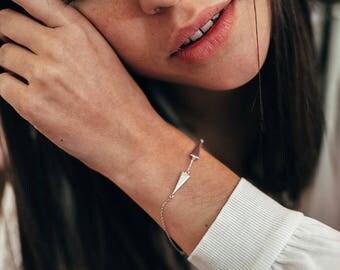 Gold dainty bracelet - geometric bracelet - stacking bracelet - minimal bracelet