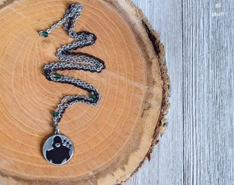 "Silver ""Green Arrow"" Charm Necklace | Super Hero Jewelry | Single Strand Design"